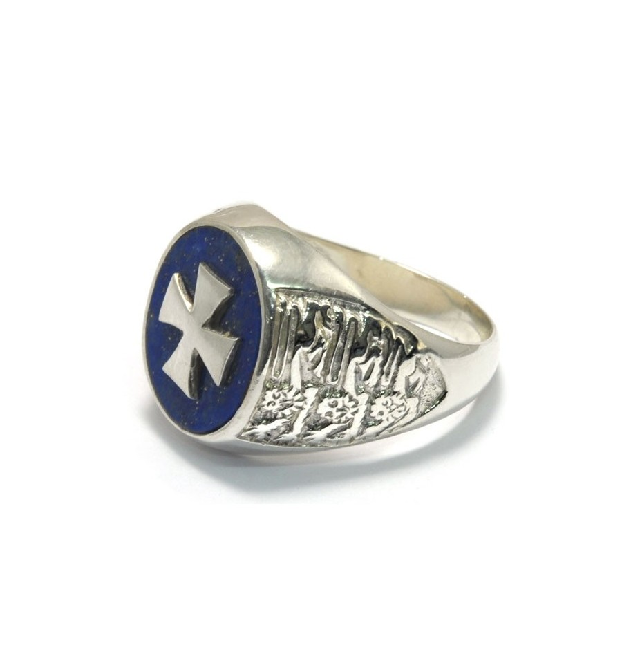 A Regnas Overlaid Templar Cross Ring With Lapis And The