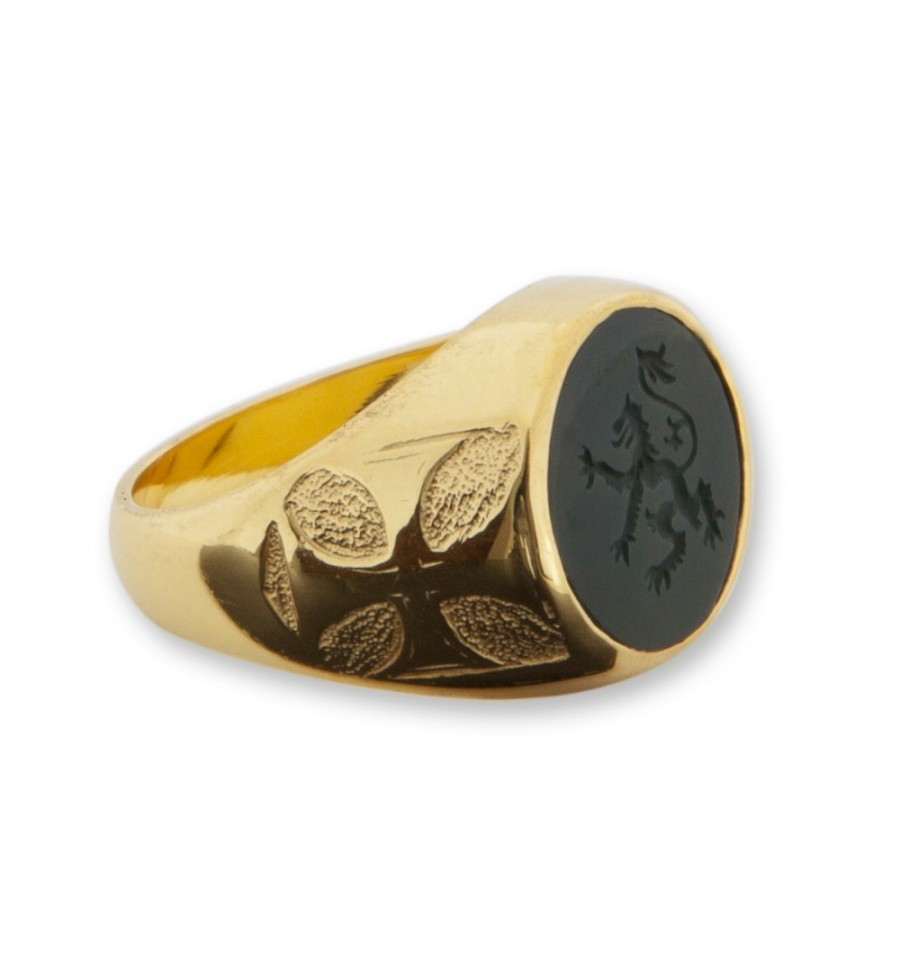 Lion Engraved Onyx Ring