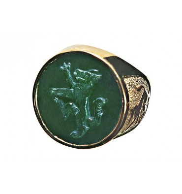 Canada Jade Wolf Rampant Gold Plated Sterling Silver Family Crest Round Stone Ring
