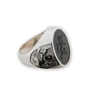 Black Onyx Ring Engraved Wolf Rampant