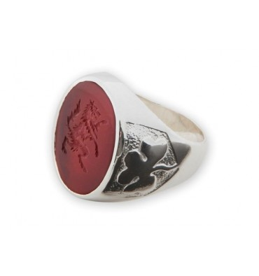Engraved Wolf rampant ring Agate & silver