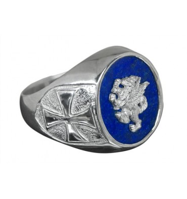 An Heraldic Ring with Overlaid Gryphon on Sterling silver