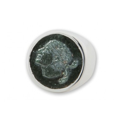Dark Green Jade Ring with Corsican Moore's Head design