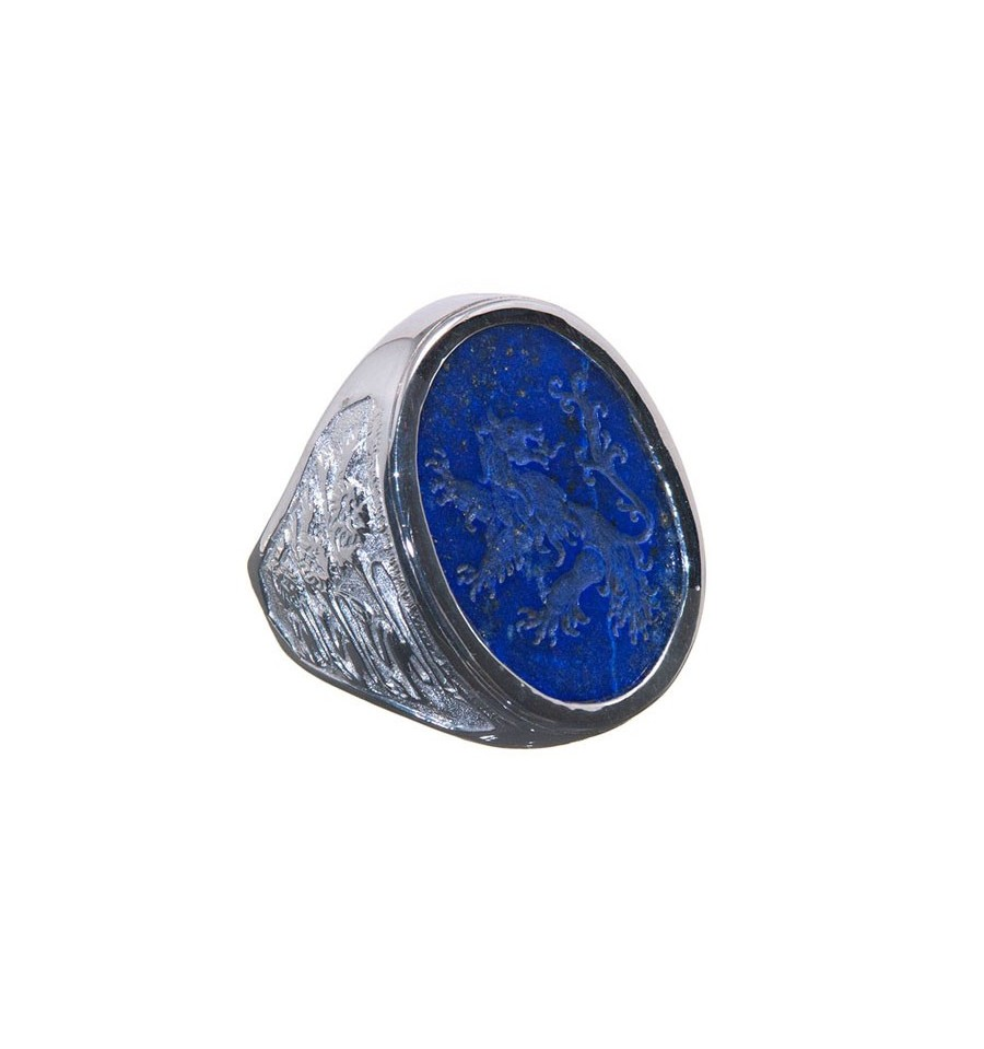 A Large Regnas Heraldic Lapis Ring With Lions Tto The Face And Shoulders